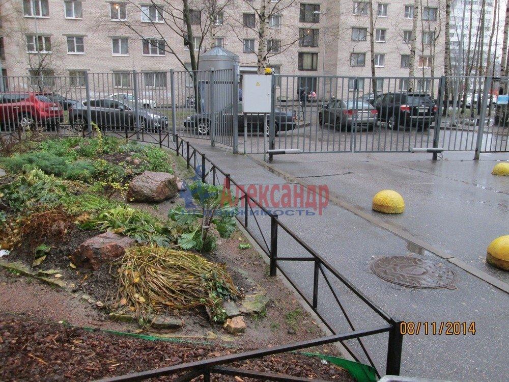 1-комнатная квартира (44м2) в аренду по адресу Брянцева ул., 15— фото 4 из 14