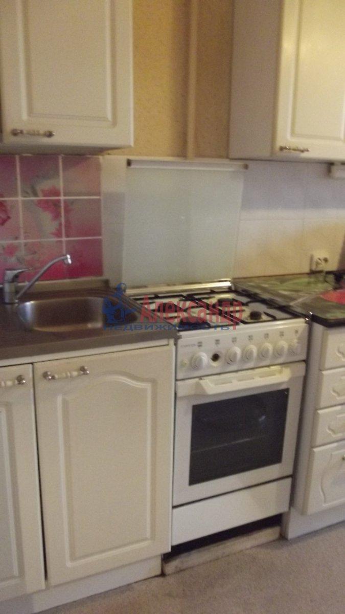 1-комнатная квартира (40м2) в аренду по адресу Боткинская ул., 15— фото 1 из 4