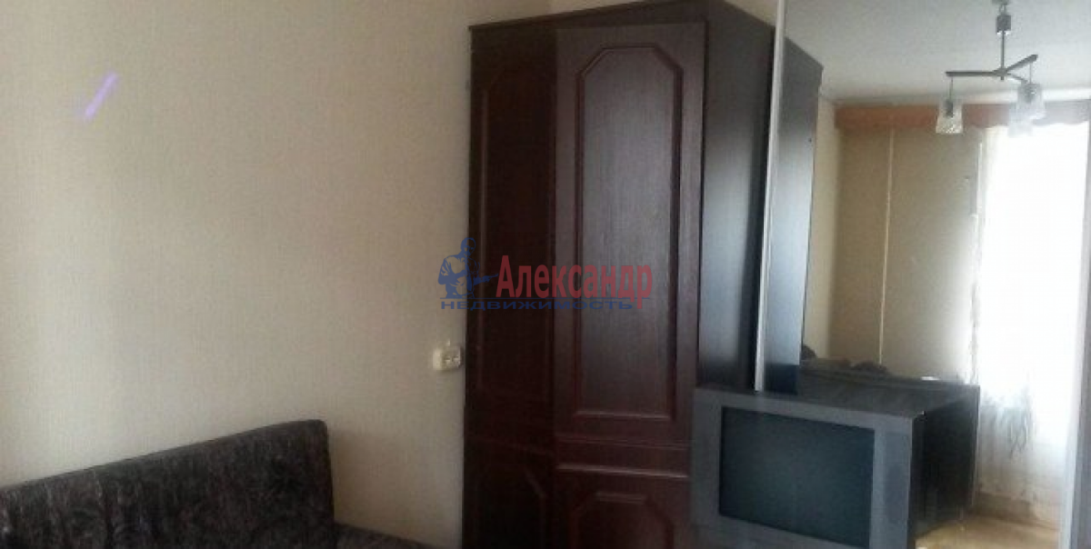 Комната в 3-комнатной квартире (68м2) в аренду по адресу 11 линия В.О., 40— фото 4 из 4