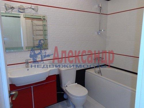 2-комнатная квартира (73м2) в аренду по адресу Исполкомская ул., 12— фото 10 из 13
