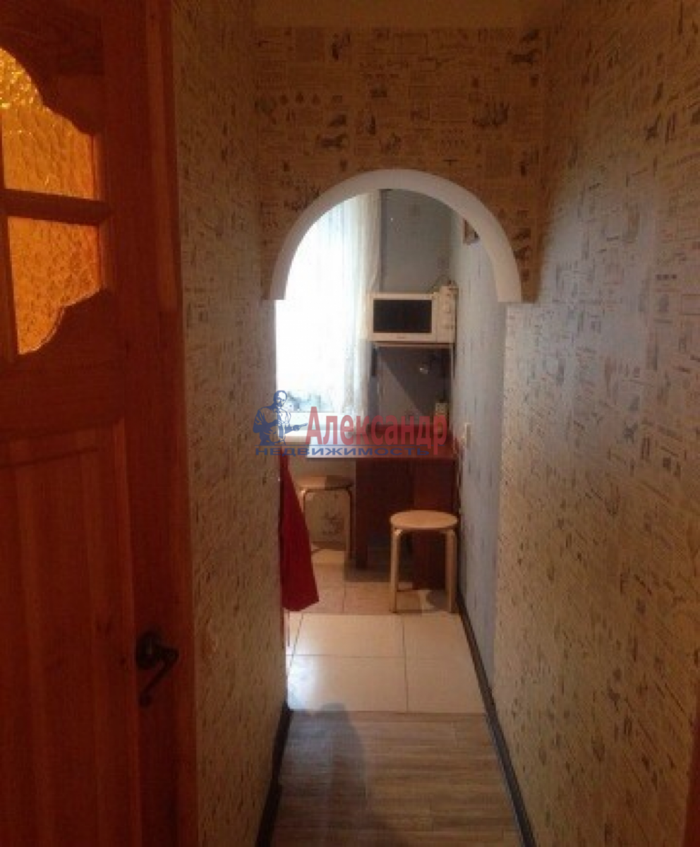 1-комнатная квартира (31м2) в аренду по адресу Ленсовета ул., 74— фото 4 из 10