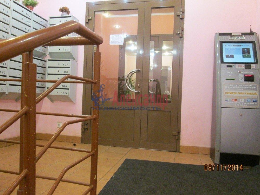 1-комнатная квартира (44м2) в аренду по адресу Брянцева ул., 15— фото 5 из 14