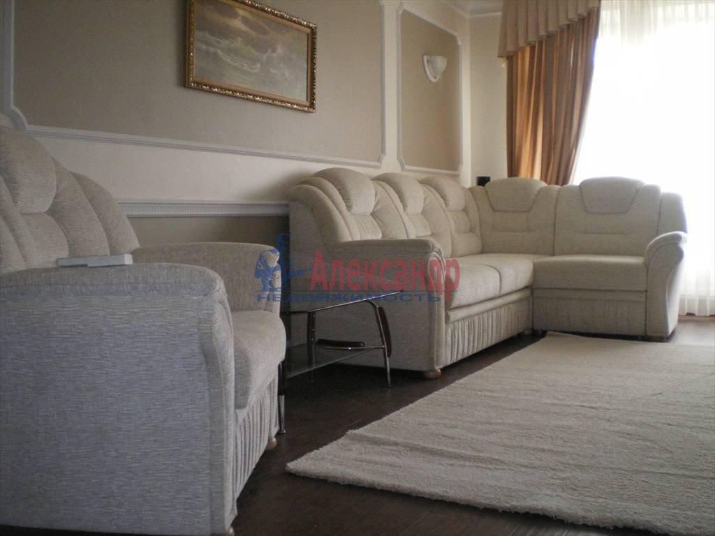 2-комнатная квартира (80м2) в аренду по адресу Большой Сампсониевский просп., 82— фото 1 из 7