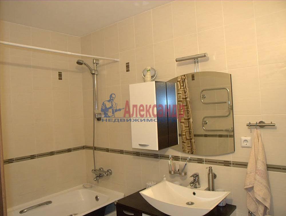 2-комнатная квартира (65м2) в аренду по адресу Бутлерова ул., 40— фото 11 из 14