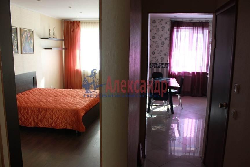 1-комнатная квартира (41м2) в аренду по адресу Белы Куна ул., 1— фото 6 из 8