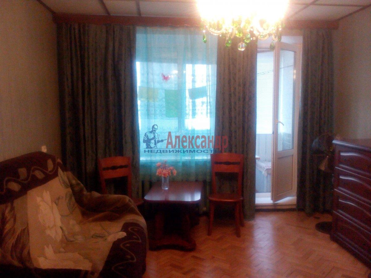 1-комнатная квартира (35м2) в аренду по адресу Космонавтов просп., 32— фото 2 из 11