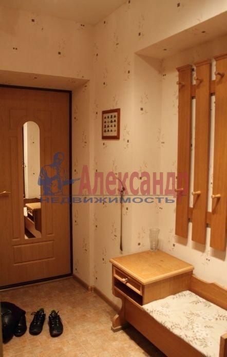 Комната в 3-комнатной квартире (72м2) в аренду по адресу Средний В.О. пр., 61— фото 2 из 3