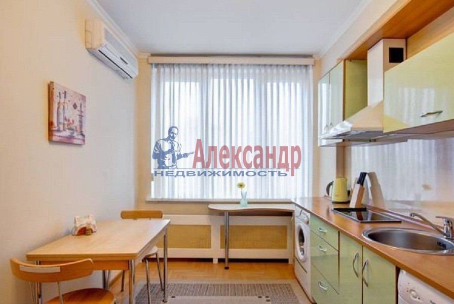 1-комнатная квартира (40м2) в аренду по адресу Ильюшина ул., 15— фото 4 из 5