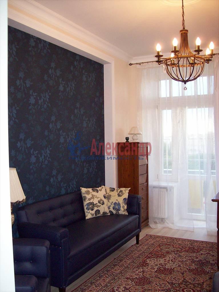 4-комнатная квартира (150м2) в аренду по адресу Реки Карповки наб., 10— фото 8 из 10