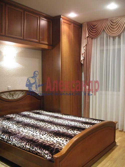 3-комнатная квартира (85м2) в аренду по адресу Типанова ул., 8— фото 4 из 10