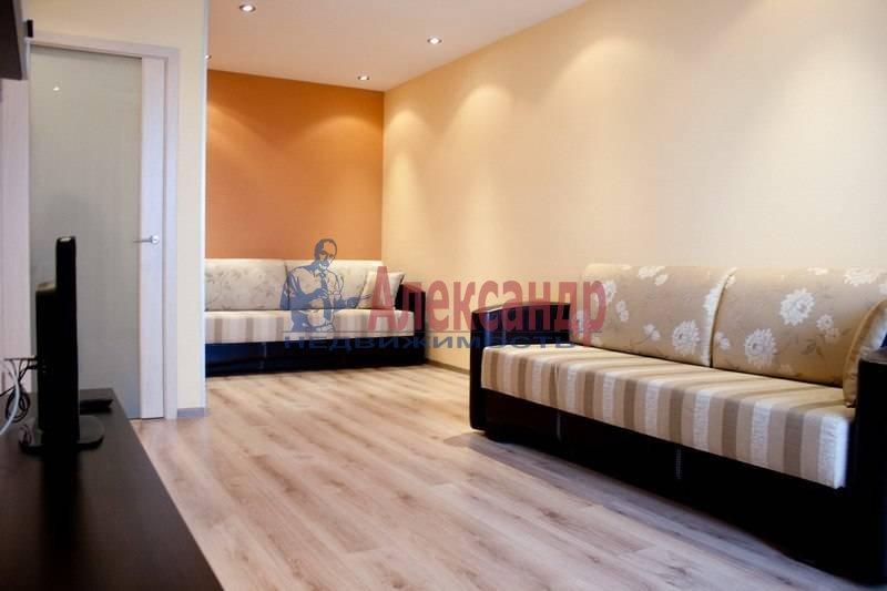 2-комнатная квартира (64м2) в аренду по адресу Коломяжский пр., 15— фото 4 из 6