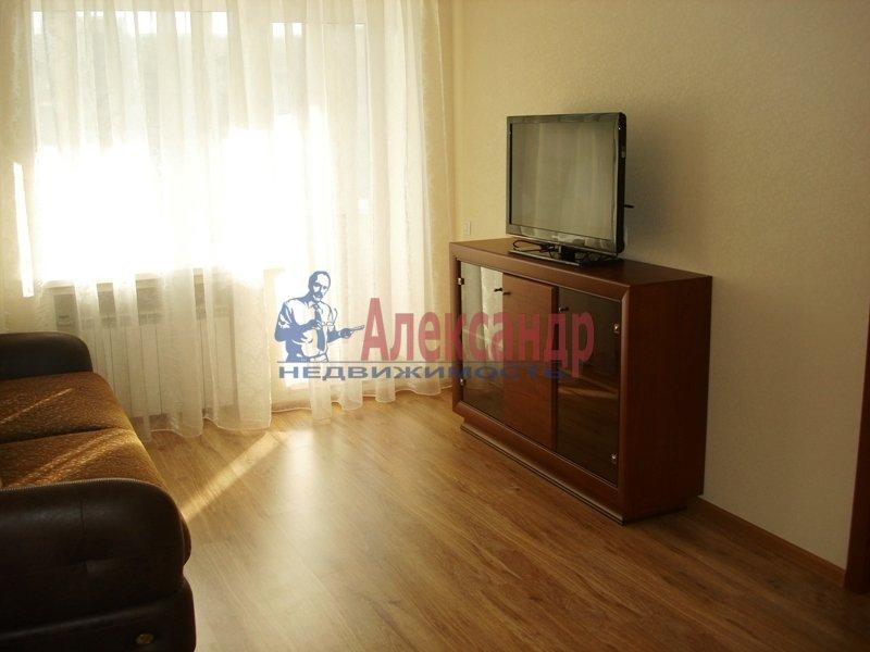 3-комнатная квартира (90м2) в аренду по адресу Выборгское шос., 33— фото 7 из 9