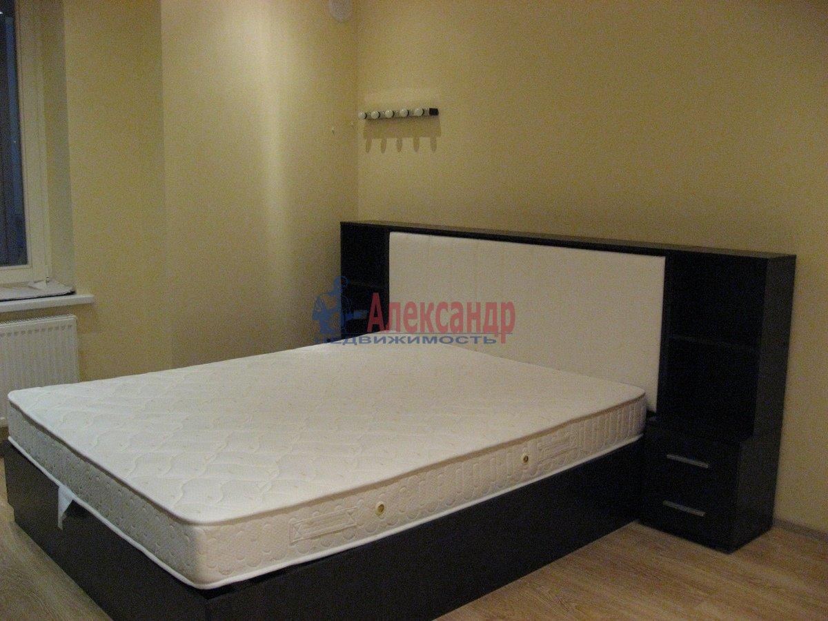 2-комнатная квартира (50м2) в аренду по адресу Воскресенская наб., 4— фото 5 из 13