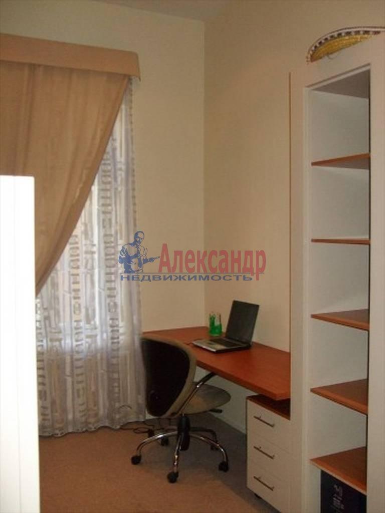 4-комнатная квартира (80м2) в аренду по адресу Полтавская ул., 8— фото 9 из 14