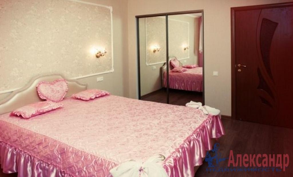 2-комнатная квартира (57м2) в аренду по адресу Федора Абрамова ул., 4а— фото 1 из 7