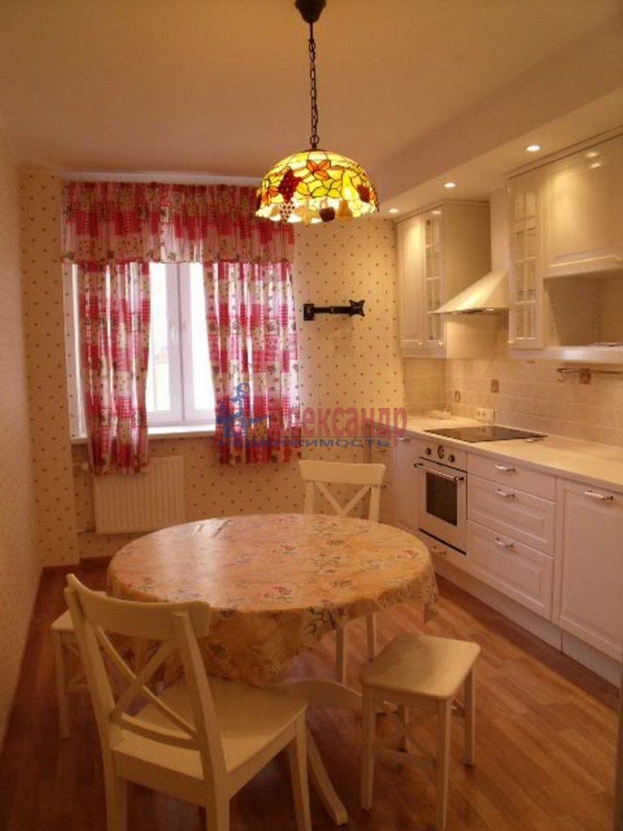 3-комнатная квартира (96м2) в аренду по адресу Бутлерова ул., 40— фото 2 из 11