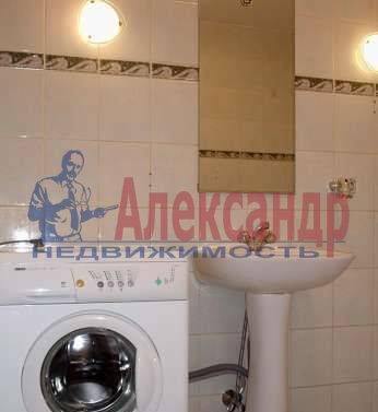 2-комнатная квартира (60м2) в аренду по адресу Мира ул., 24— фото 3 из 3