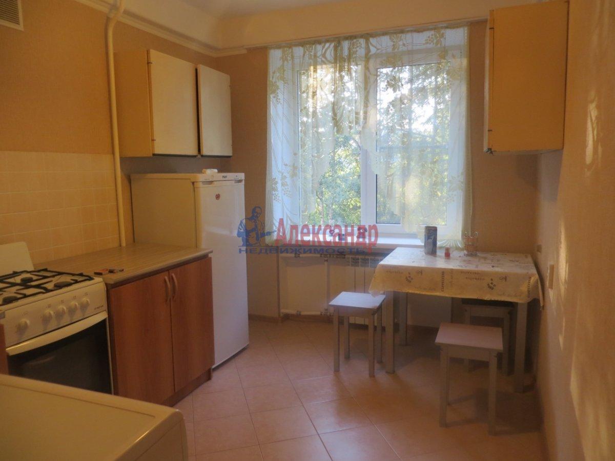 1-комнатная квартира (35м2) в аренду по адресу Малый В.О. пр., 6— фото 1 из 9