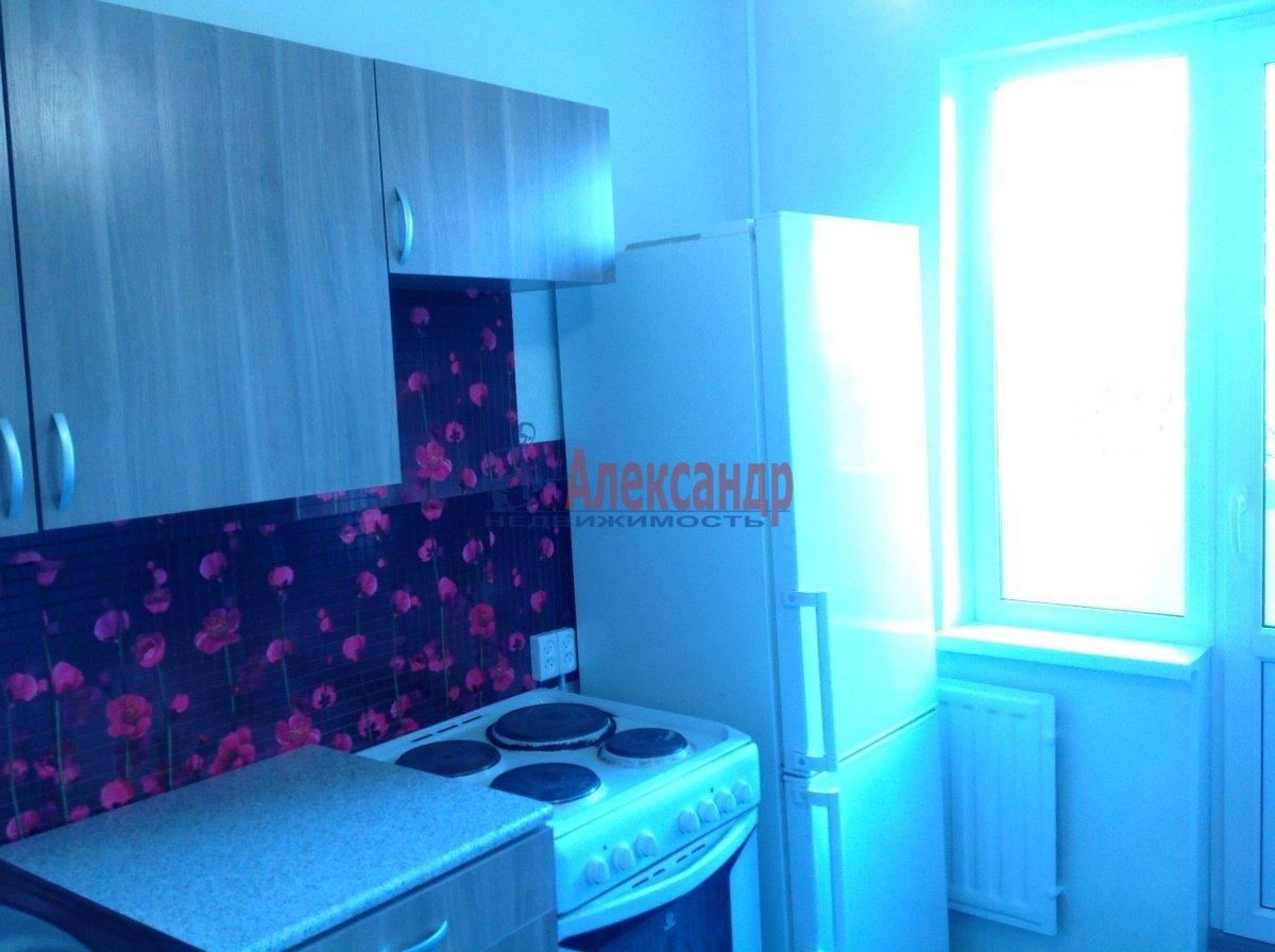 2-комнатная квартира (53м2) в аренду по адресу Караваевская ул., 42— фото 3 из 11
