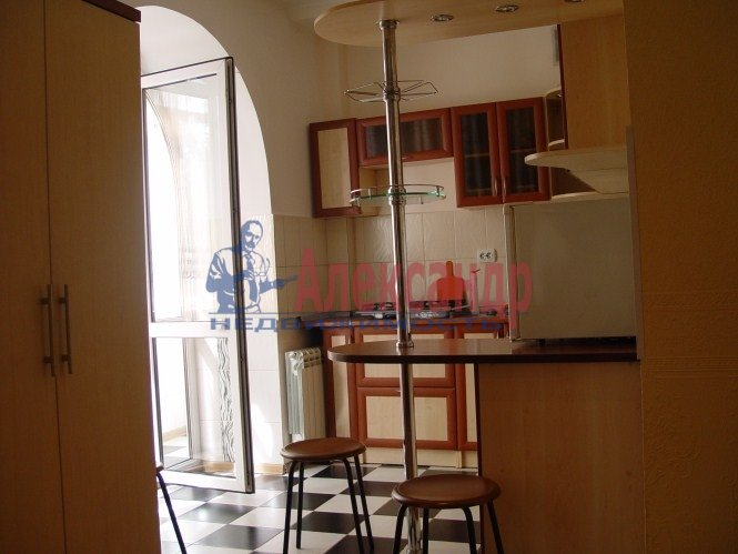 1-комнатная квартира (42м2) в аренду по адресу Белы Куна ул., 1— фото 5 из 8