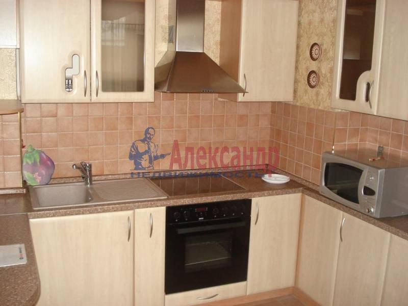 2-комнатная квартира (53м2) в аренду по адресу Шотмана ул., 11— фото 1 из 8