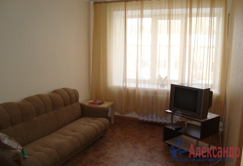 Комната в 2-комнатной квартире (39м2) в аренду по адресу Маршала Говорова ул., 24— фото 1 из 3