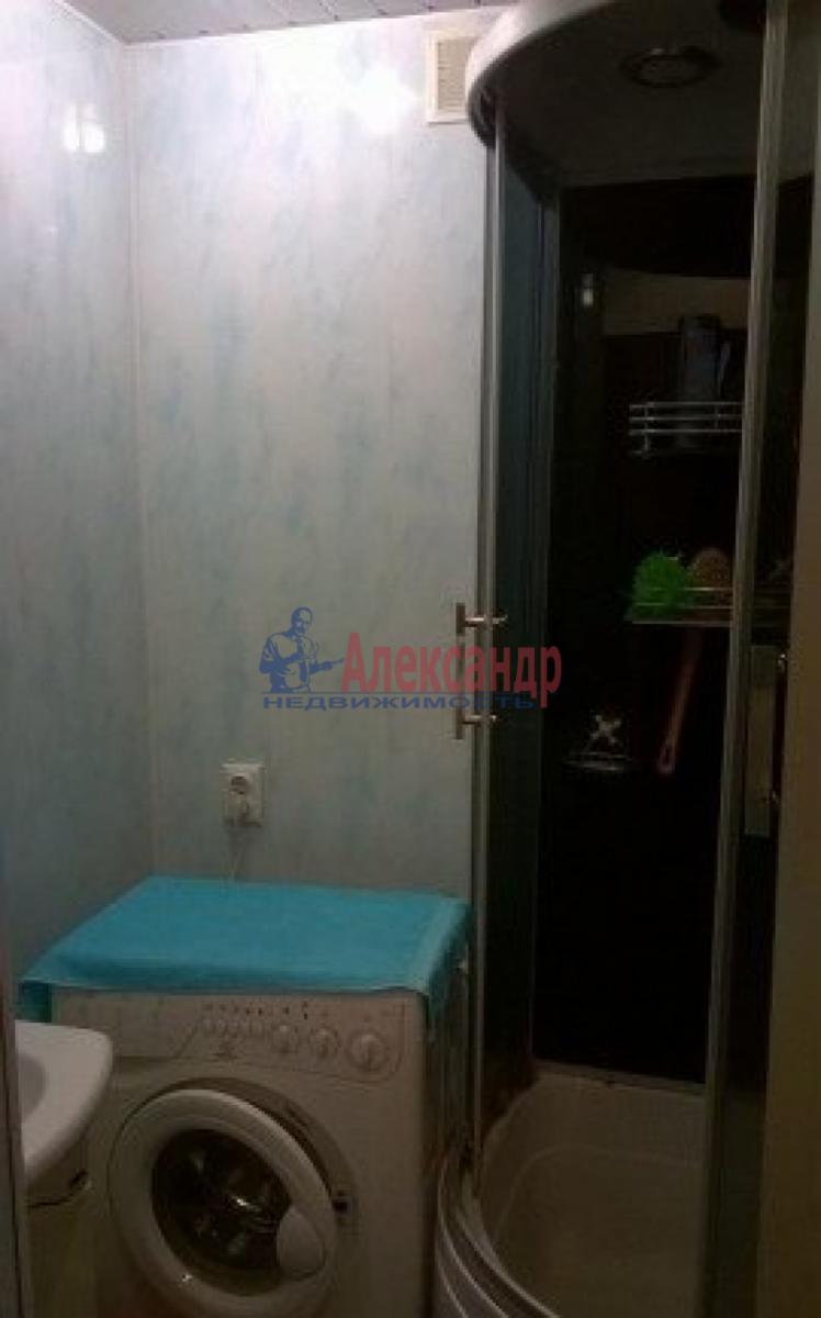 Комната в 4-комнатной квартире (44м2) в аренду по адресу Васи Алексеева ул., 7— фото 5 из 5