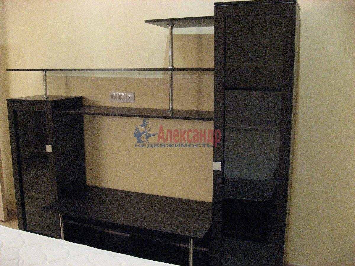 2-комнатная квартира (50м2) в аренду по адресу Воскресенская наб., 4— фото 8 из 13