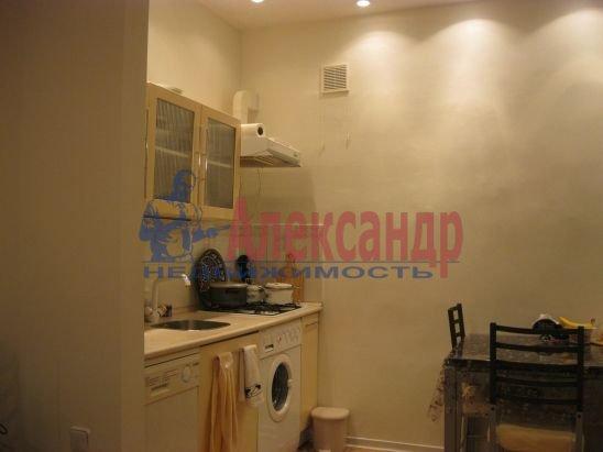 3-комнатная квартира (60м2) в аренду по адресу Большая Зеленина ул., 19— фото 3 из 6
