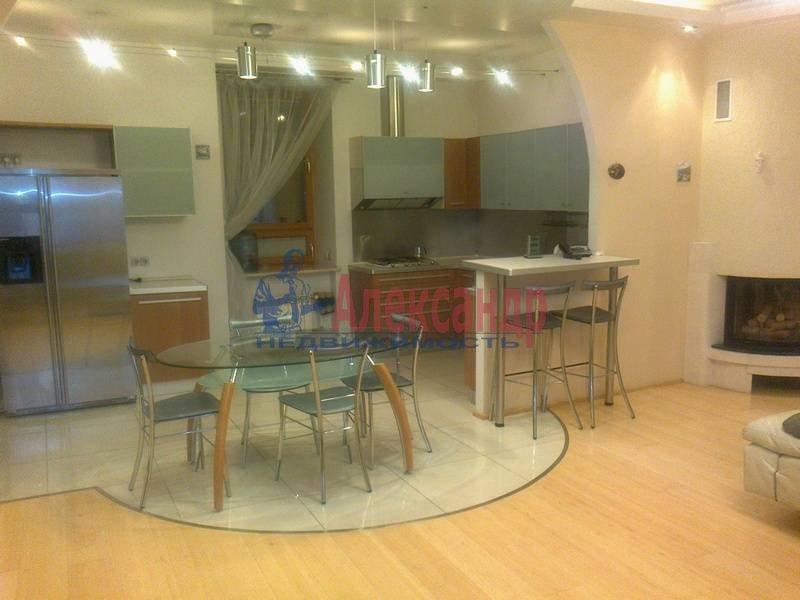 4-комнатная квартира (143м2) в аренду по адресу Верейская ул., 30— фото 1 из 12
