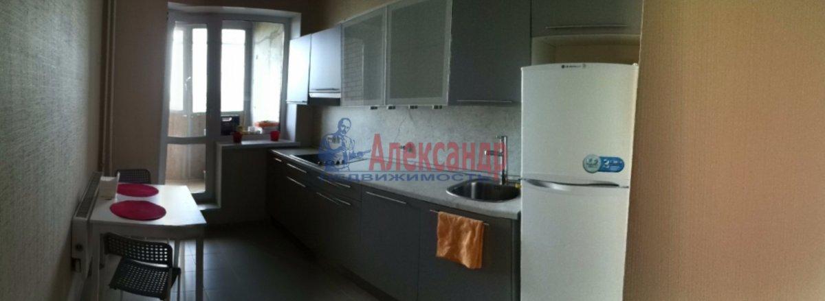 1-комнатная квартира (42м2) в аренду по адресу Белы Куна ул., 1— фото 3 из 8