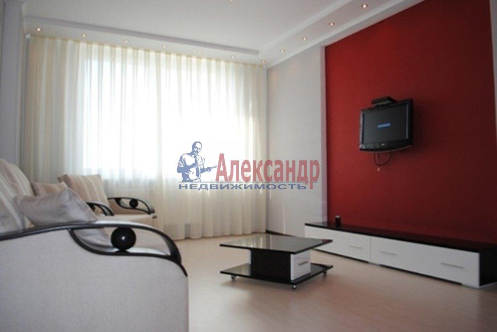 2-комнатная квартира (80м2) в аренду по адресу Обуховской Обороны пр., 110— фото 1 из 10