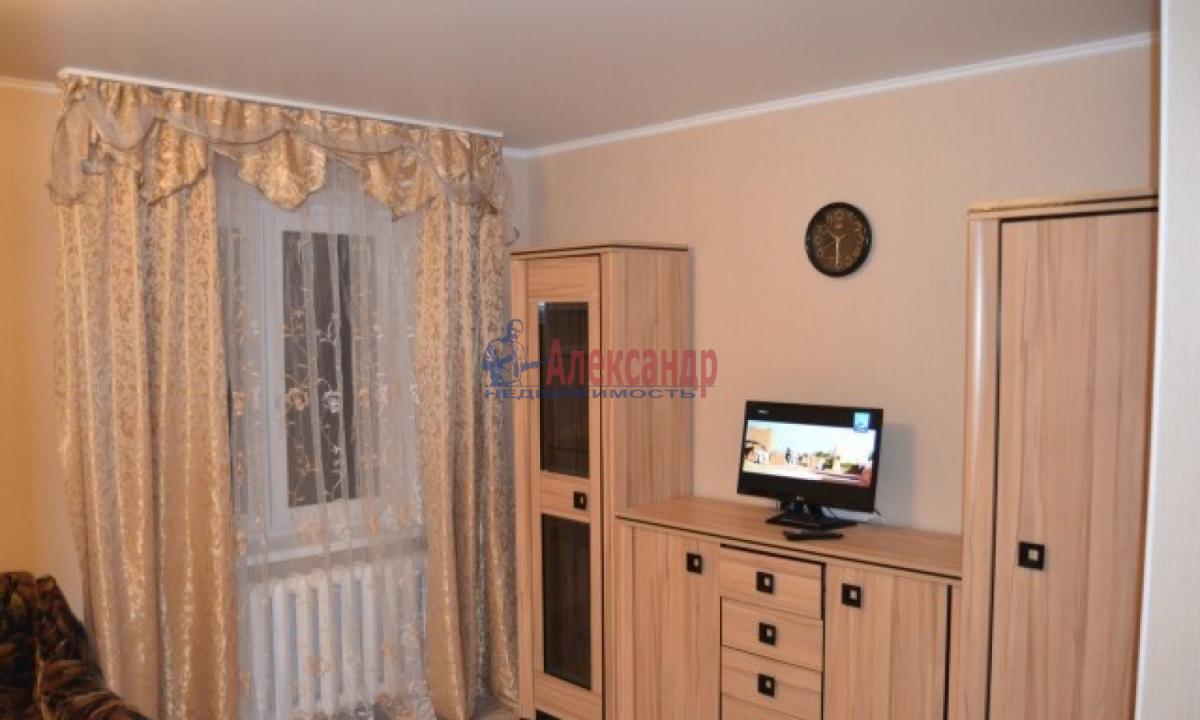 1-комнатная квартира (32м2) в аренду по адресу Трамвайный пр., 12— фото 1 из 6