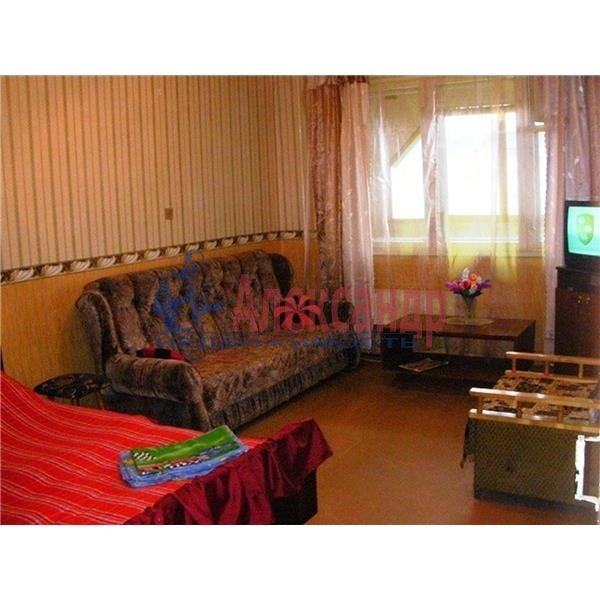 1-комнатная квартира (40м2) в аренду по адресу Солдата Корзуна ул., 19— фото 1 из 1