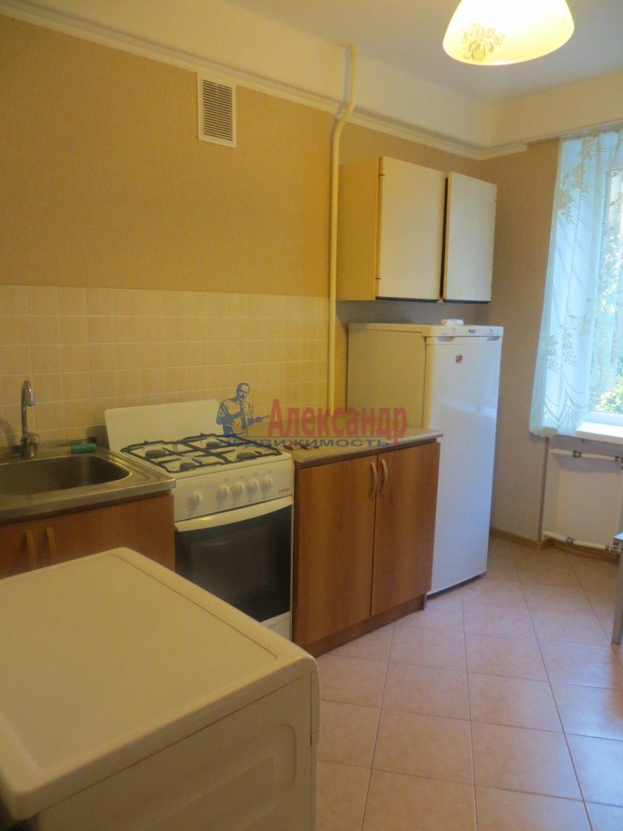 1-комнатная квартира (35м2) в аренду по адресу Малый В.О. пр., 6— фото 4 из 9