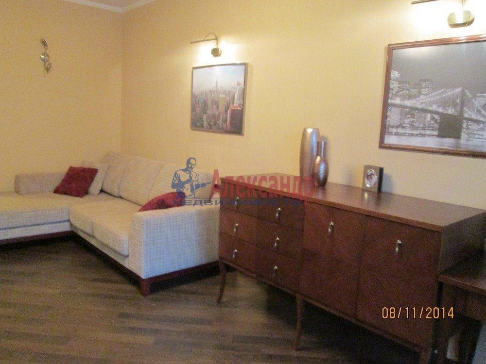 1-комнатная квартира (44м2) в аренду по адресу Брянцева ул., 15— фото 2 из 14