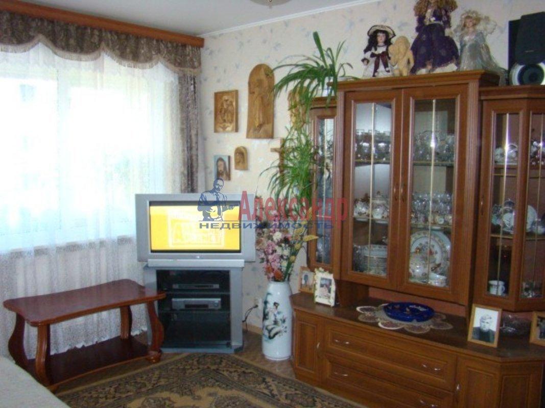 2-комнатная квартира (55м2) в аренду по адресу Рихарда Зорге ул., 5— фото 2 из 2