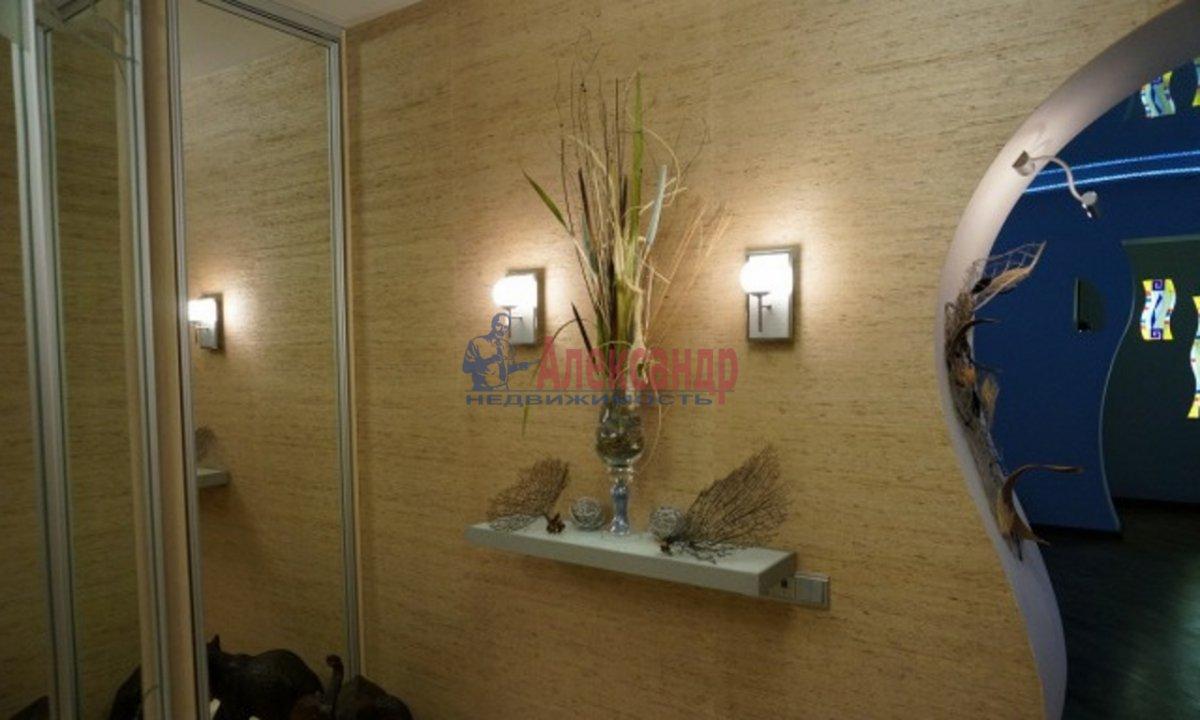 2-комнатная квартира (50м2) в аренду по адресу Савушкина ул., 134— фото 2 из 3