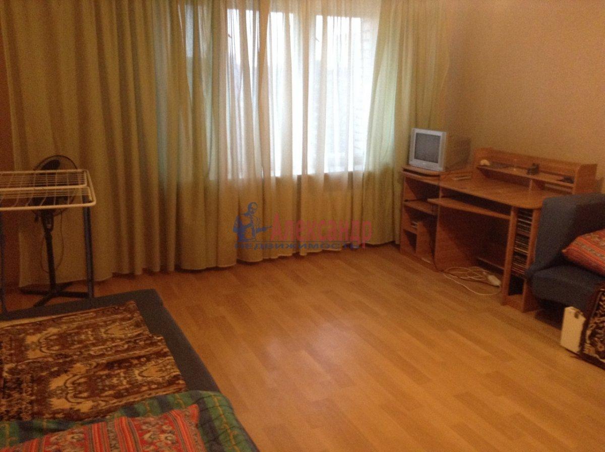 2-комнатная квартира (62м2) в аренду по адресу Савушкина ул., 138— фото 6 из 9