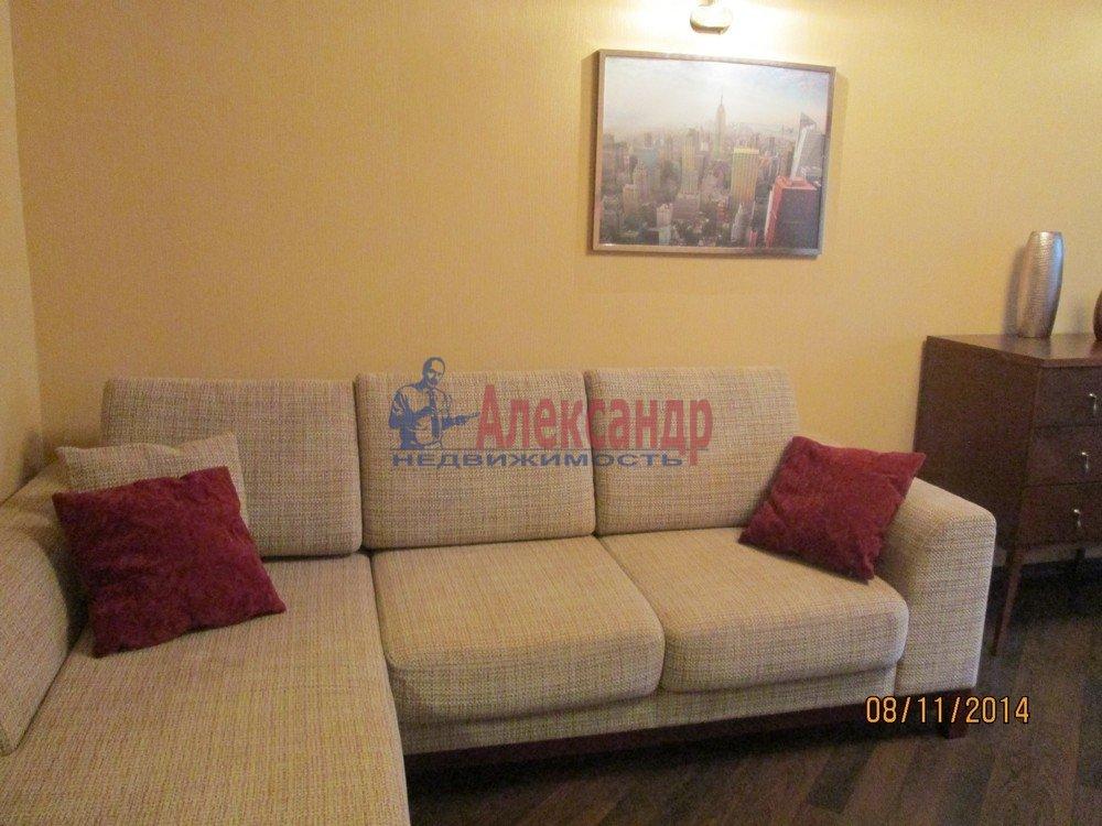 1-комнатная квартира (44м2) в аренду по адресу Брянцева ул., 15— фото 3 из 14