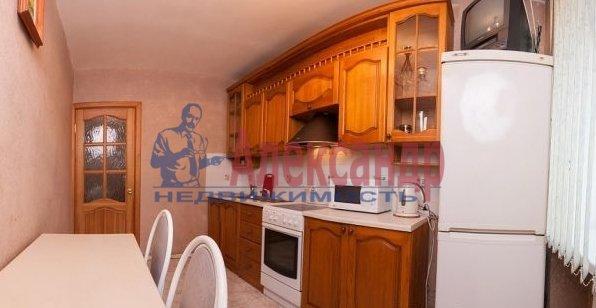 3-комнатная квартира (99м2) в аренду по адресу Пулковская ул., 10— фото 4 из 5