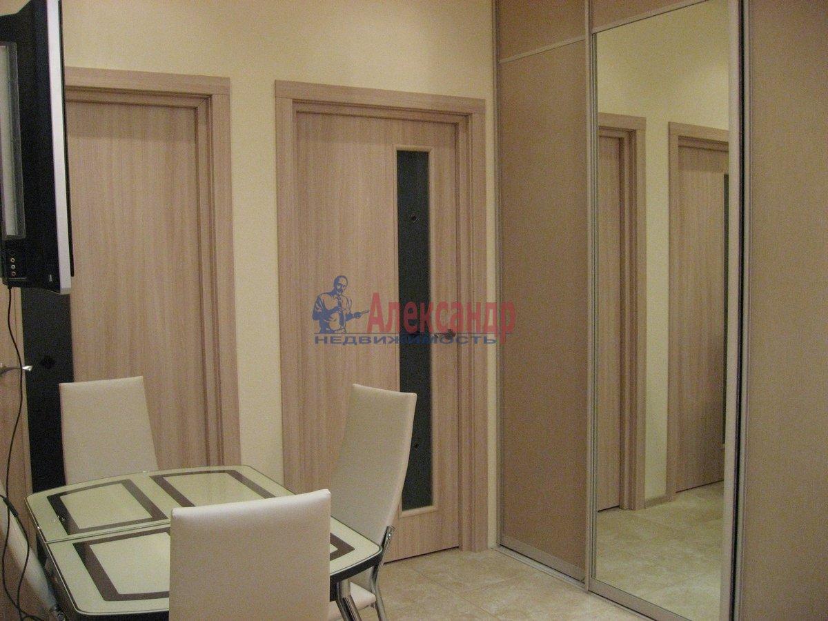 2-комнатная квартира (50м2) в аренду по адресу Воскресенская наб., 4— фото 10 из 13