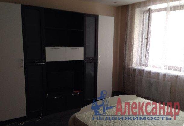 1-комнатная квартира (44м2) в аренду по адресу Ветеранов пр., 75— фото 1 из 5