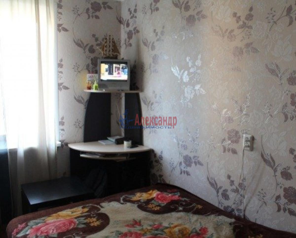 Комната в 3-комнатной квартире (54м2) в аренду по адресу Бассейная ул., 5— фото 1 из 3