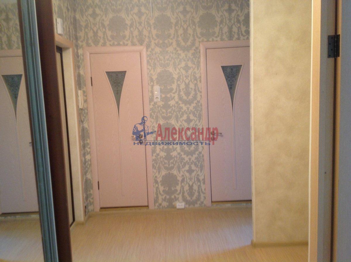 2-комнатная квартира (53м2) в аренду по адресу Караваевская ул., 42— фото 1 из 11
