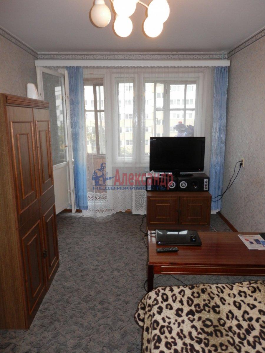 1-комнатная квартира (30м2) в аренду по адресу Композиторов ул., 5— фото 1 из 2