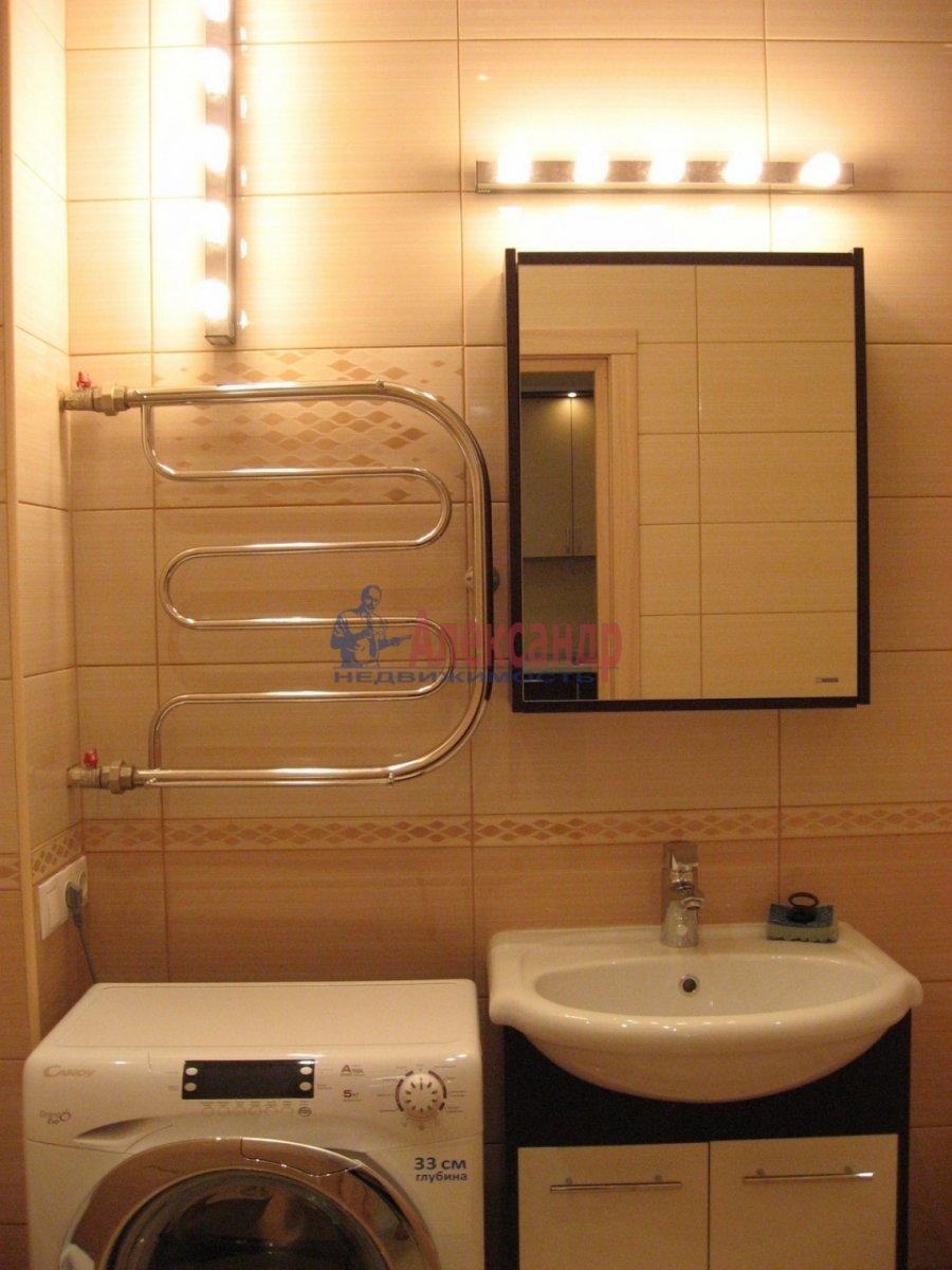 2-комнатная квартира (50м2) в аренду по адресу Воскресенская наб., 4— фото 12 из 13