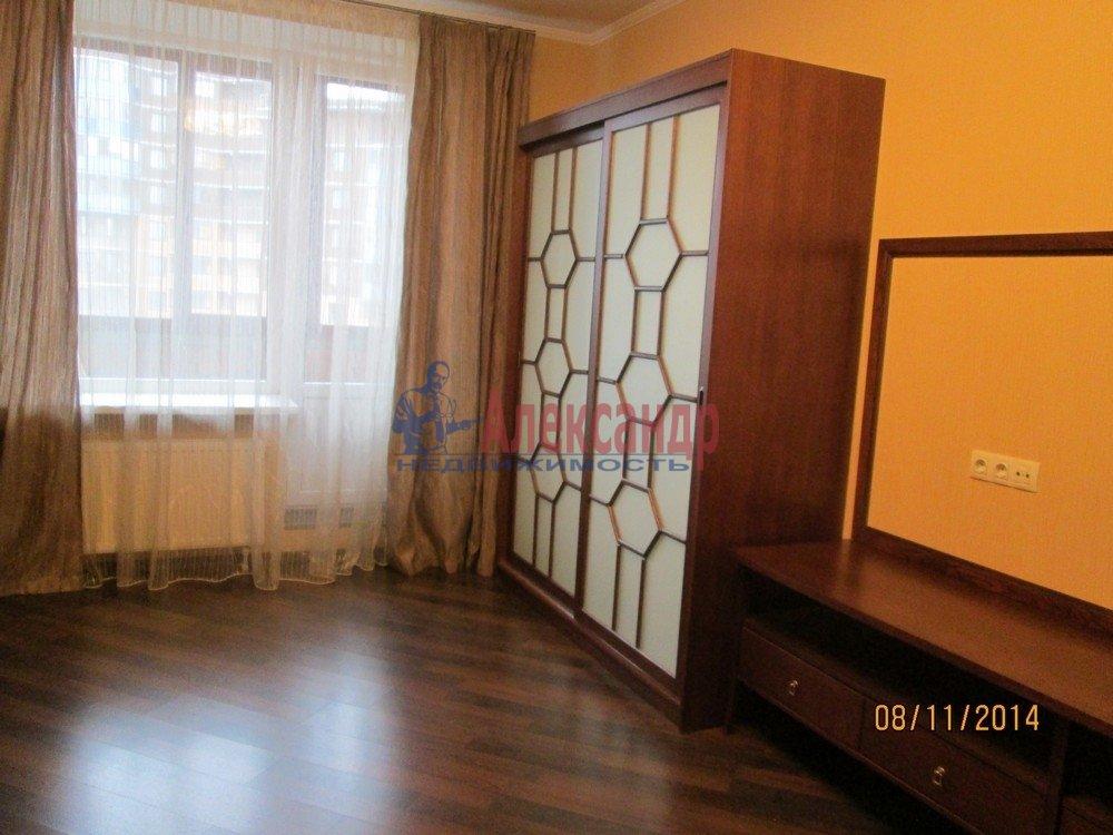 1-комнатная квартира (44м2) в аренду по адресу Брянцева ул., 15— фото 8 из 14