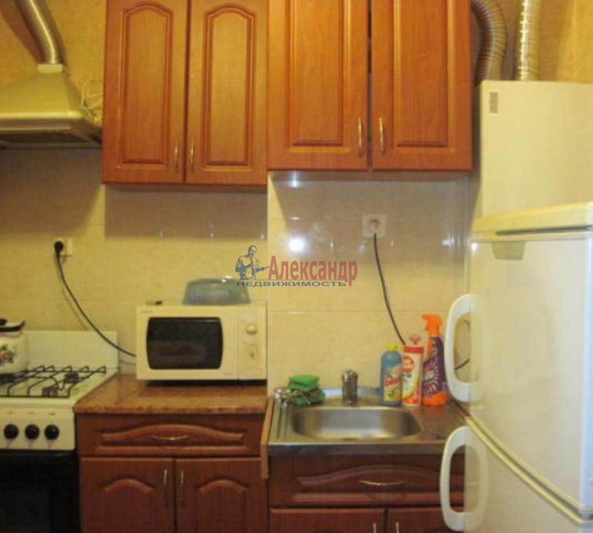1-комнатная квартира (38м2) в аренду по адресу Ланское шос., 4— фото 4 из 6