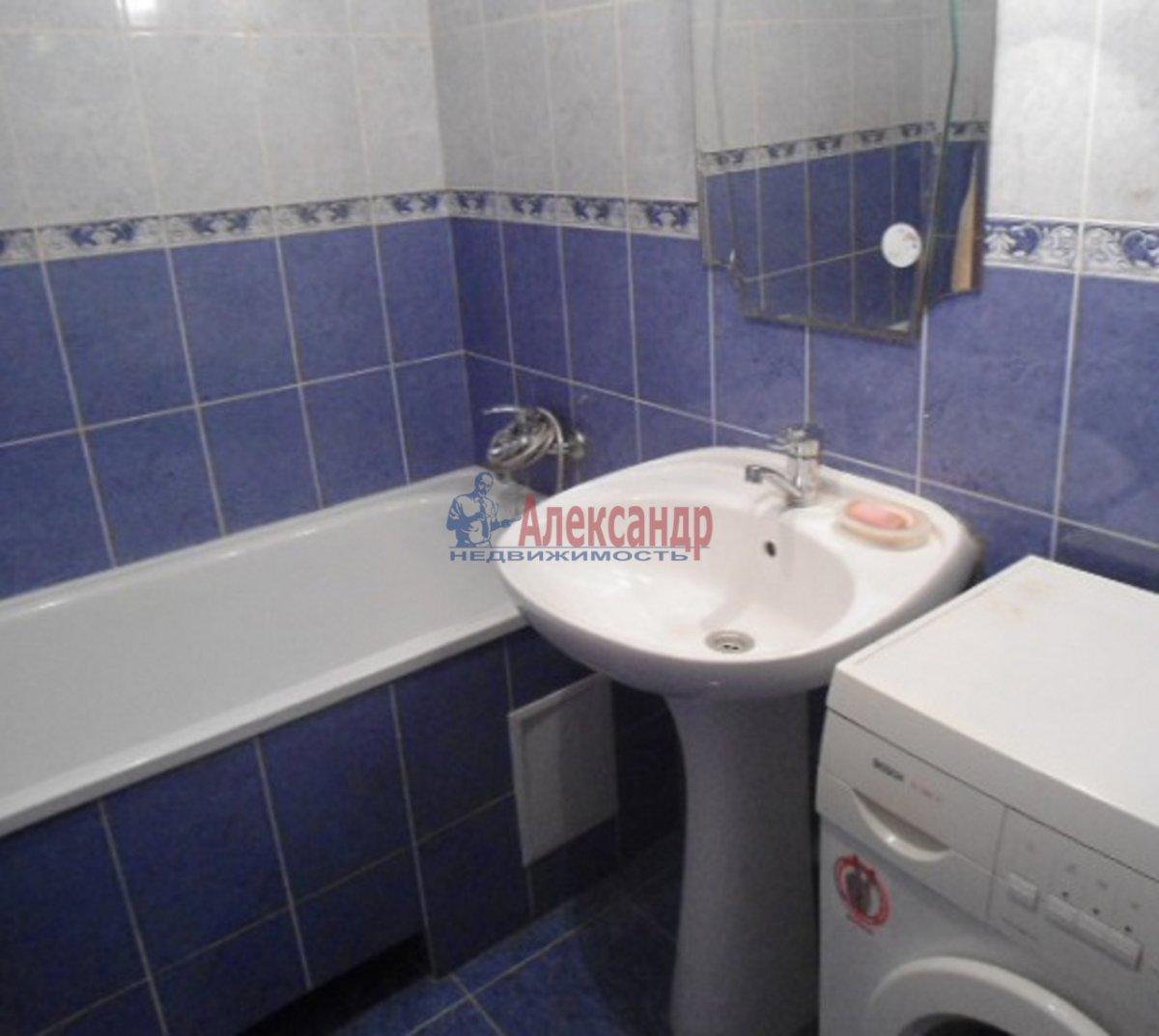 2-комнатная квартира (65м2) в аренду по адресу Школьная ул., 128— фото 3 из 3